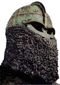 Рис.1 Шлем из Вальсгарде-8 (фотография из книги Peuple nordique)